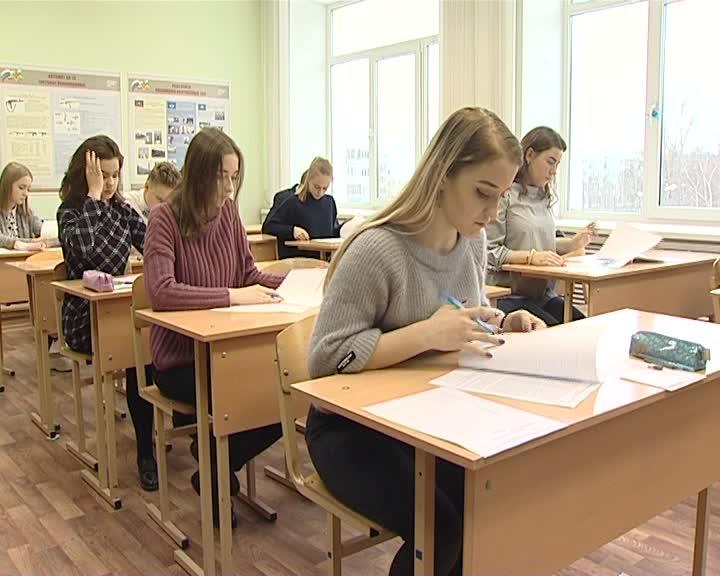 Костромские школьницы победили на олимпиаде по избирательному праву