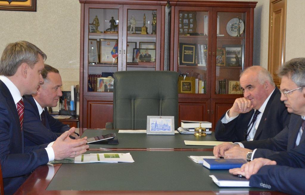 Костромской губернатор Сергей Ситников встретился с руководством крупного банка