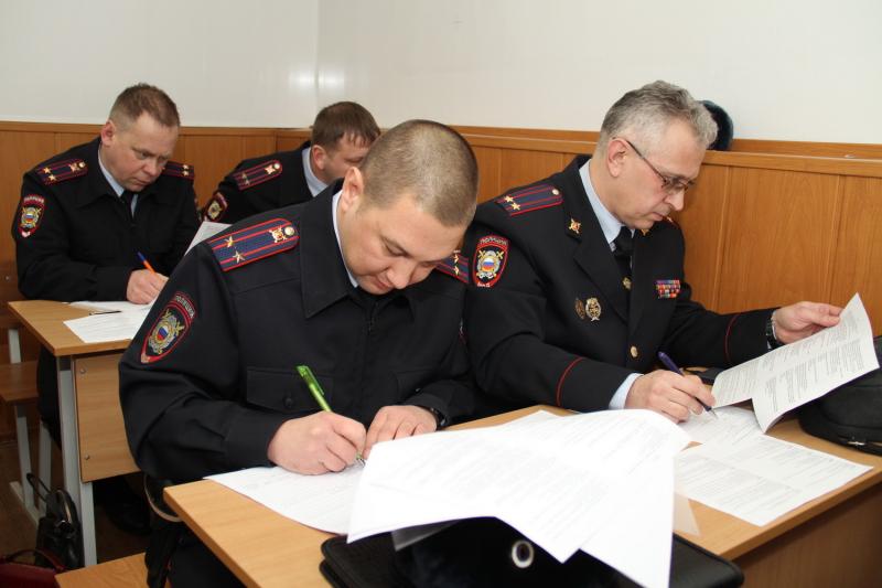 В Костромской области начальники сели за парты