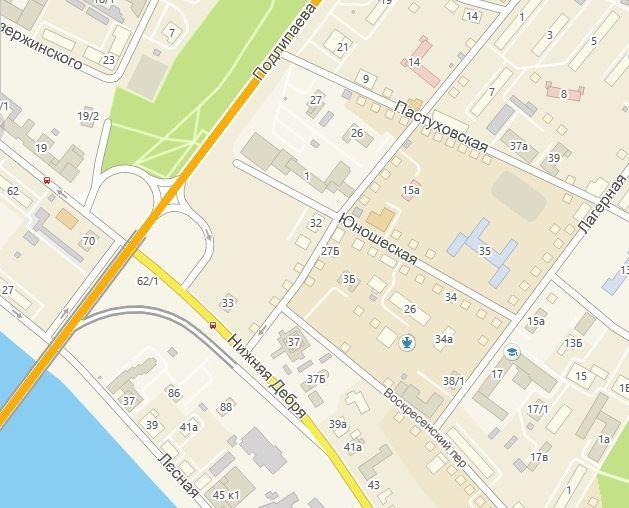 В Костроме на улице Нижняя Дебря ликвидируют остановочный комплекс