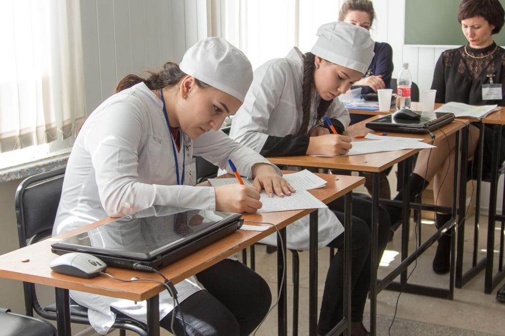 Сегодня в Костроме завершается региональный этап Всероссийской олимпиады среди студентов-фармацевтов