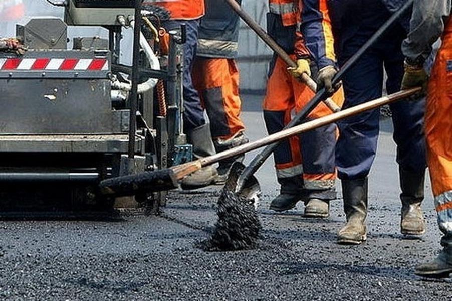 На улице Московская в Костроме начались подготовительные работы к предстоящему асфальтированию