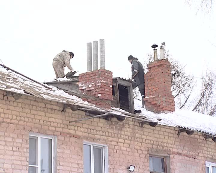 В Костроме в доме на улице Линейной подрядчик начал подготовку к капитальному ремонту обвалившейся крыши