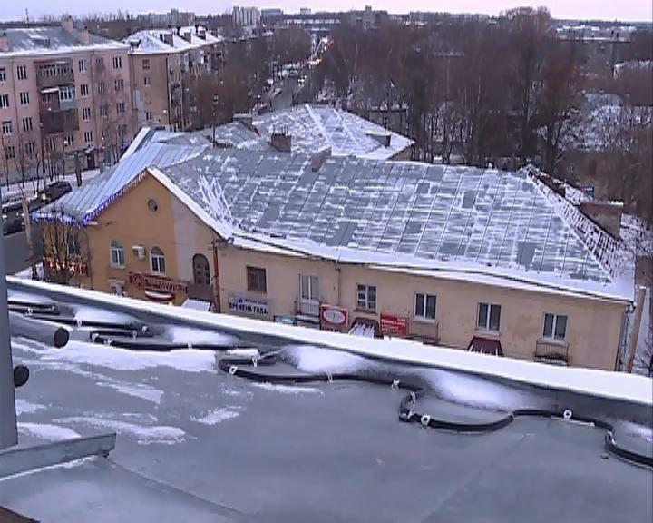 Губернатор потребовал очистить все крыши в Костромской области