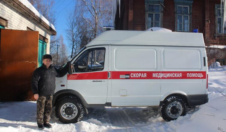В Кологривскую больницу пришла новая машина скорой помощи