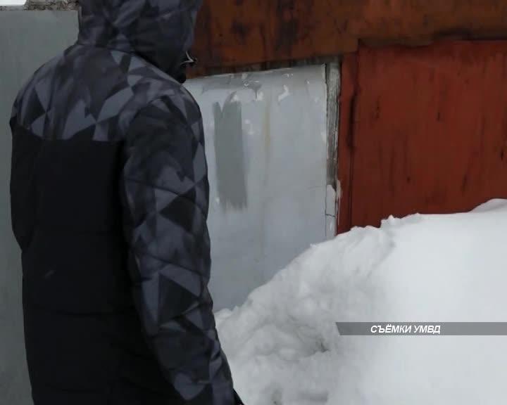 Двух наркодилеров задержали полицейские в Костроме