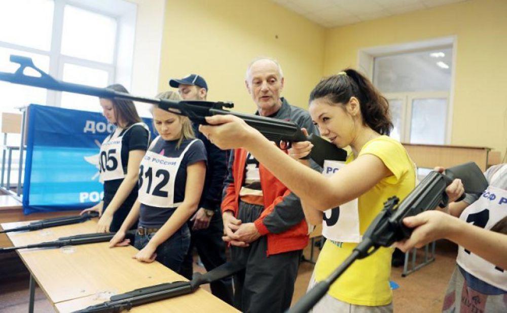 Сегодня костромичи сдадут нормативы ГТО по стрельбе из электронного оружия