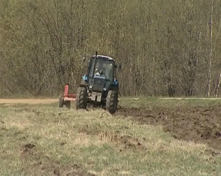 Более 130 миллионов рублей из областного бюджета получат хозяйства Костромской области на проведение весенне-полевых работ