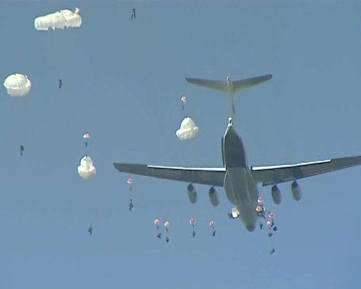 Под Костромой сегодня завершаются масштабные командно-штабные учения воздушно-десантных войск