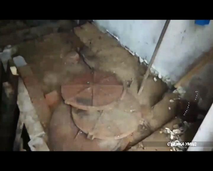 В Костроме задержали подозреваемого в краже канализационных люков