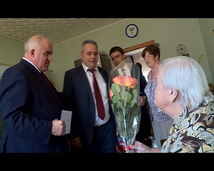 Губернатор Сергей Ситников поздравил участницу Великой Отечественной войны Анну Яковлевну Лебедеву с 95-летием