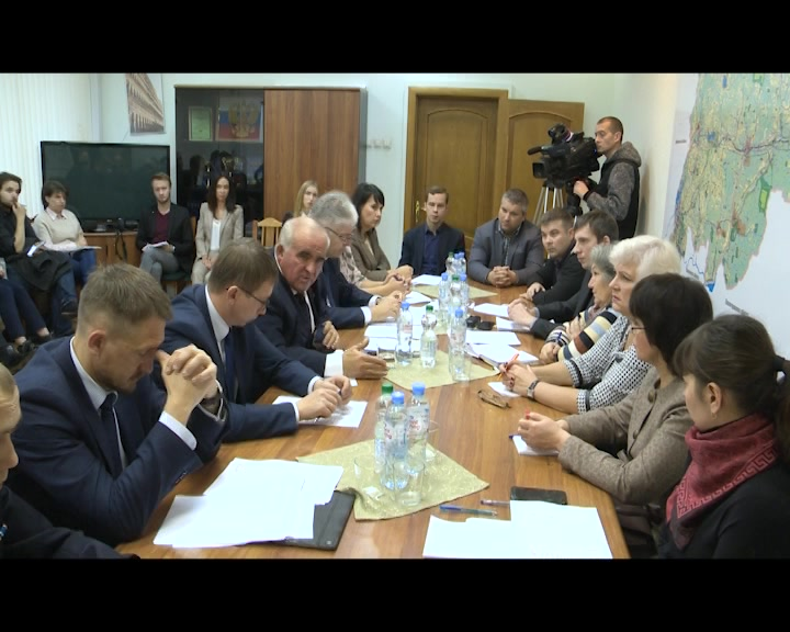 В минувшие выходные губернатор Сергей Cитников встретился с обманутыми дольщиками