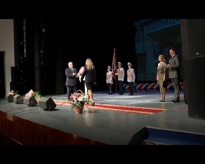 В Костромской области сотрудников органов внутренних дел поздравили с профессиональным праздником