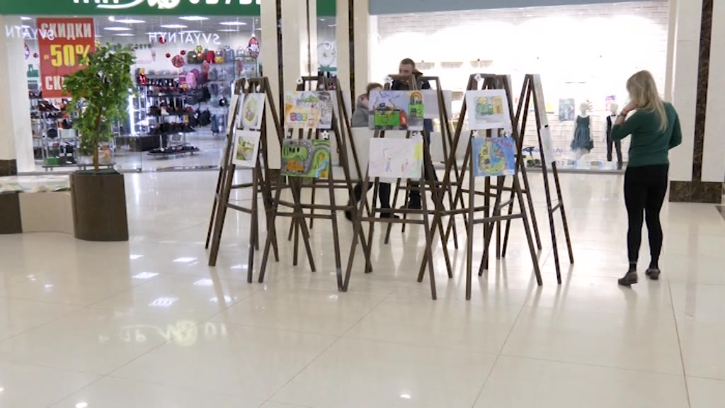 В Костроме открылась выставка «Чистый город глазами детей»