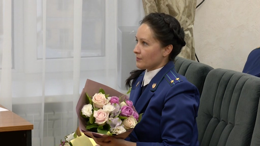 Губернатор Сергей Ситников поздравил работников областной прокуратуры с профессиональным праздником