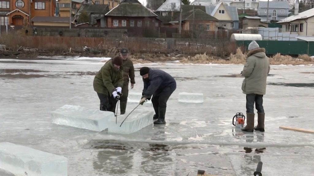 Безопасность – это главное! В Костроме готовятся к крещенским купаниям