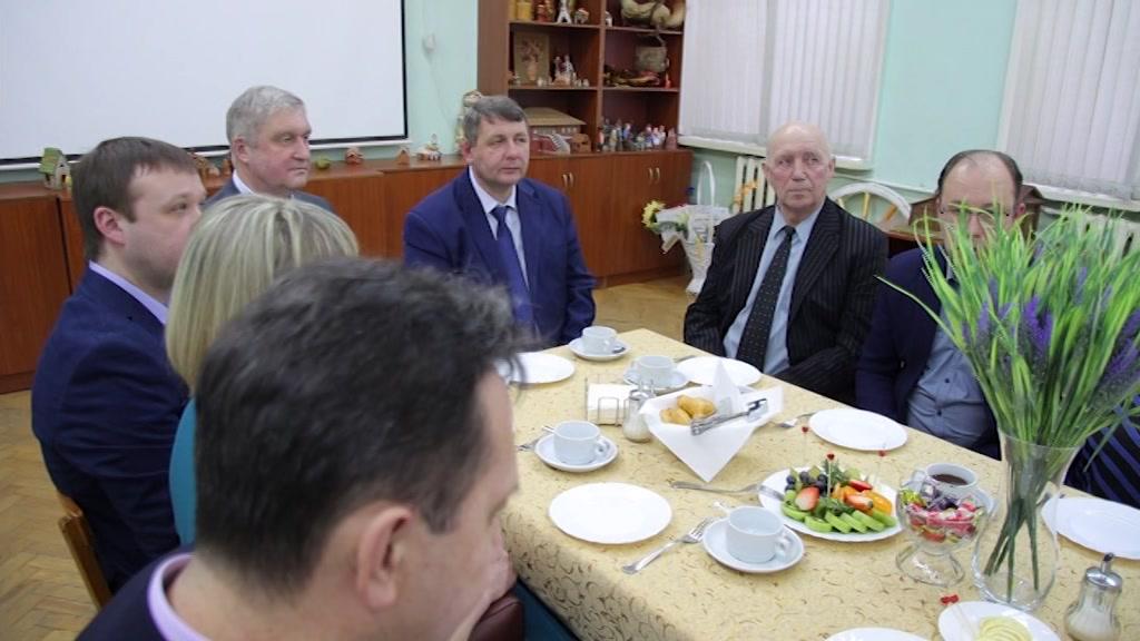Губернатор Сергей Ситников обсудил актуальные вопросы здравоохранения с участниками проекта «Земский доктор»