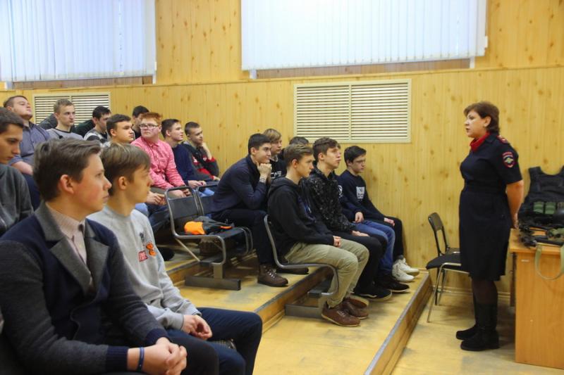 Костромские студенты прошли стажировку в экспертно-криминалистическом центре регионального Управления МВД