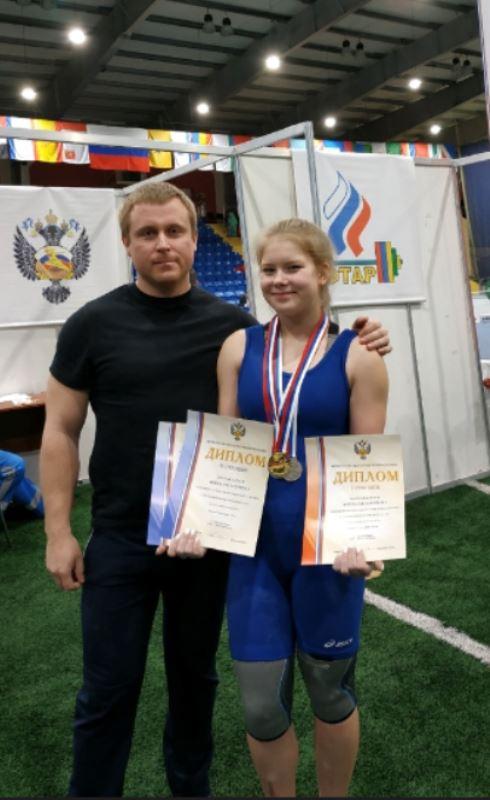 Костромичка Екатерина Жила вернулась с серебряной медалью с Первенства России по тяжёлой атлетике