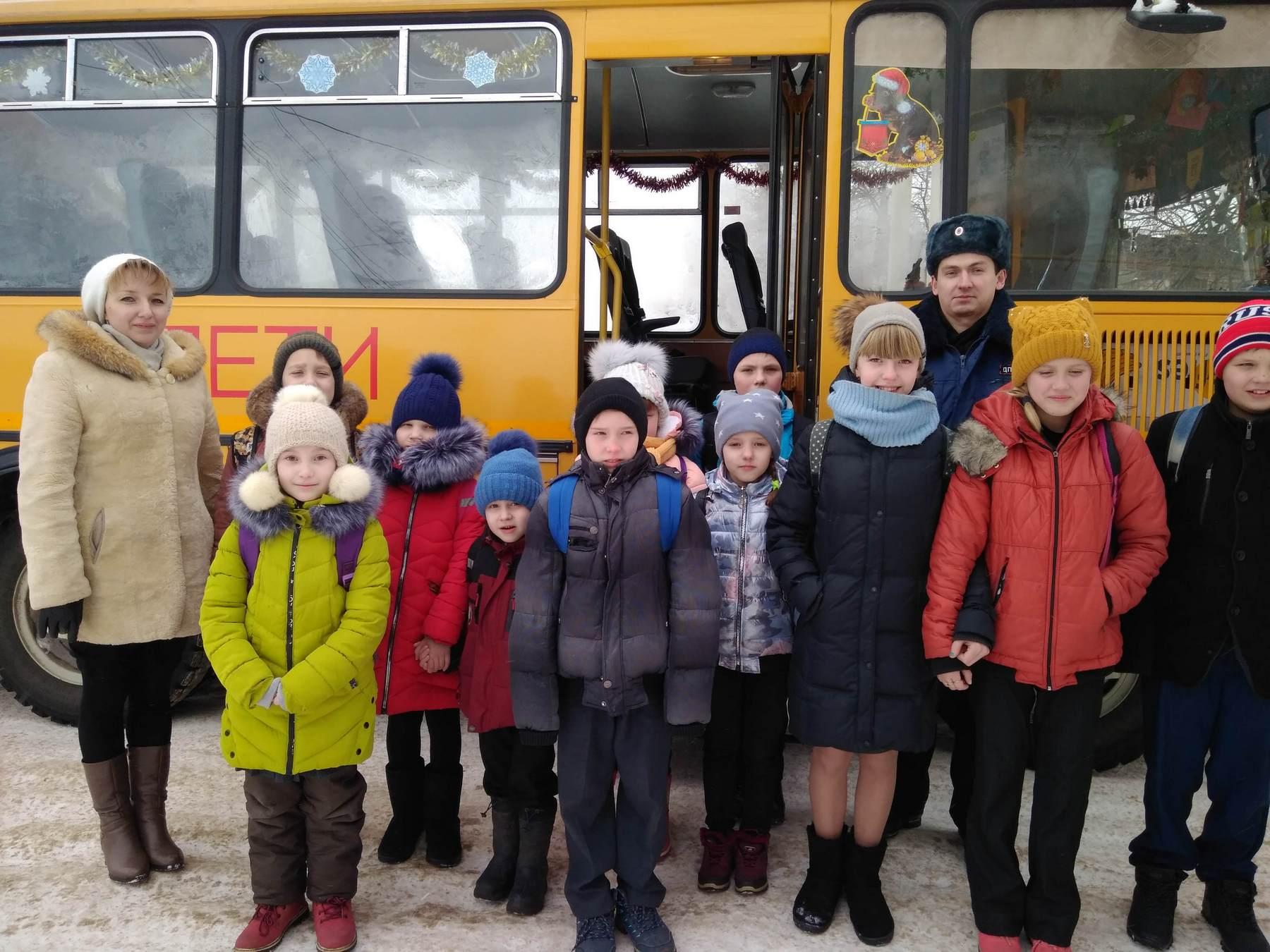 Безопасность юных костромичей в школьных автобусах под контролем общественности и Госавтоинспекции