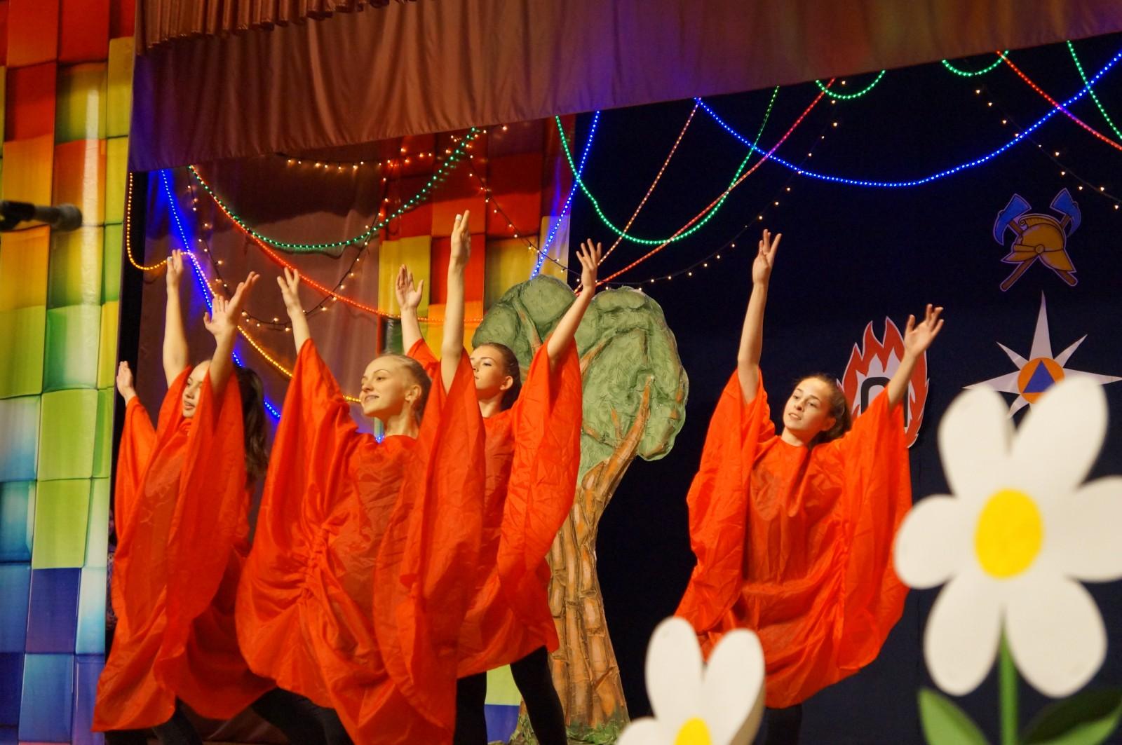 Сотрудники МЧС отправились на гастроли по Костромской области со спектаклем «Если дома никого»
