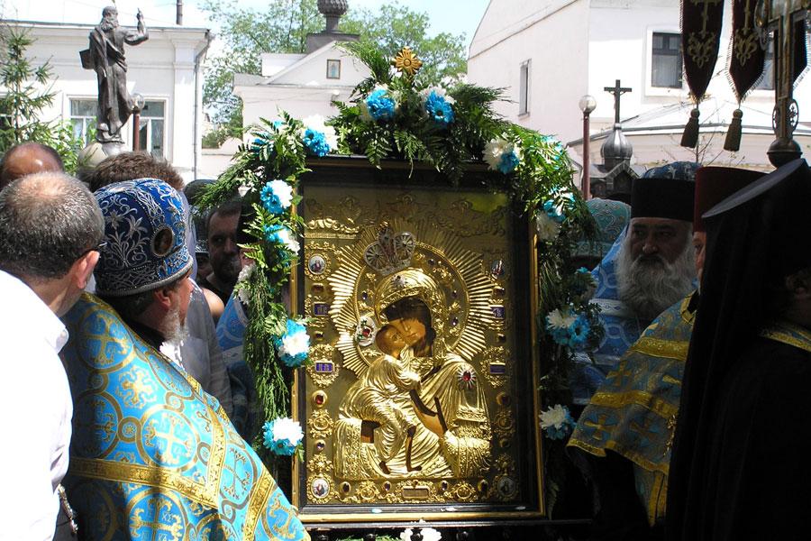 Сегодня день главной православной святыни Костромского края –  Феодоровской иконы Божией Матери