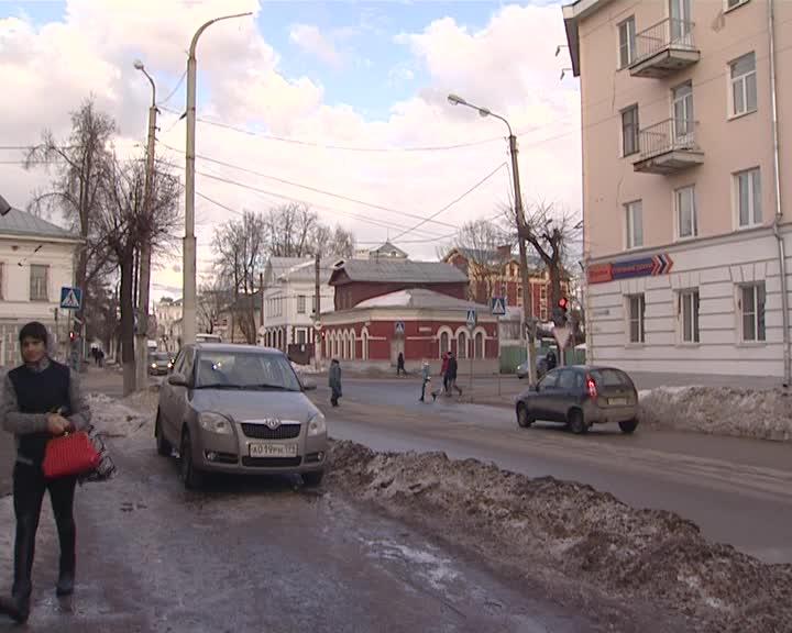 В Костроме в новом режиме заработал светофор на улице Пятницкой