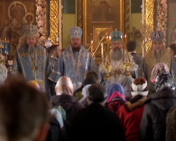 Во всех храмах Костромской области прошли торжественные богослужения в честь Феодоровской иконы Божьей матери