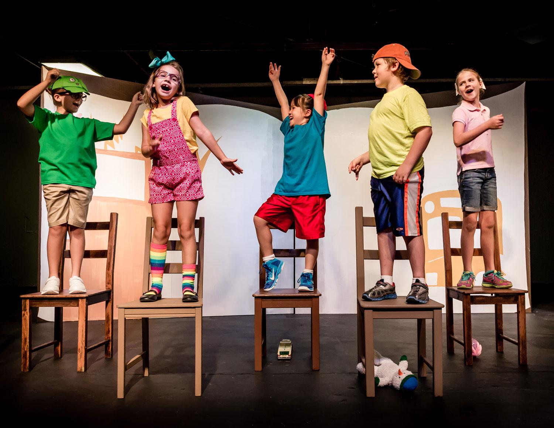 В Костроме воспитанники детских садов массово репетируют спектакли