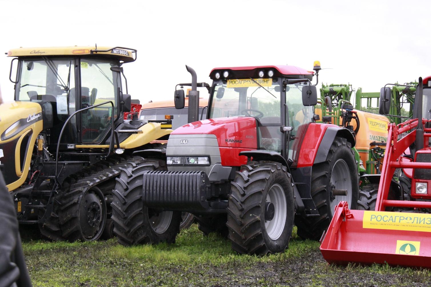 В этом году сельскохозяйственные предприятия Костромской области приобрели ещё 40 единиц спецтехники и оборудования