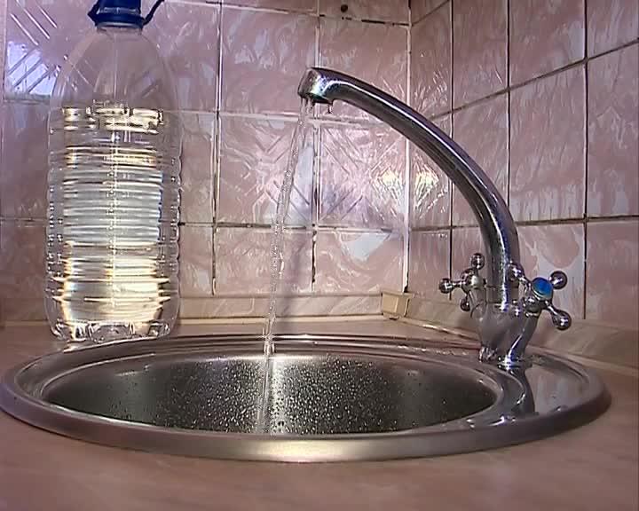 В Костроме жителям Давыдовских микрорайонов организовали подвоз воды