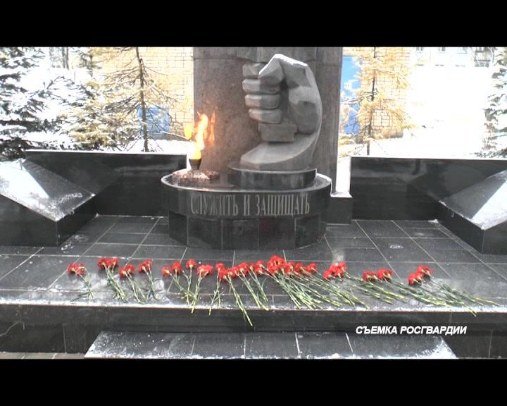 В Костроме вспоминали сотрудников полиции, погибших при исполнении служебного долга