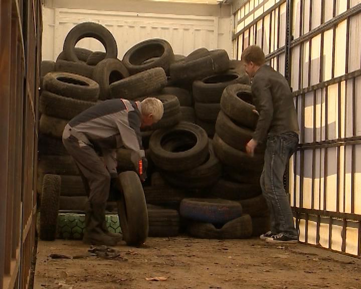 В Костроме продолжается сбор старых покрышек