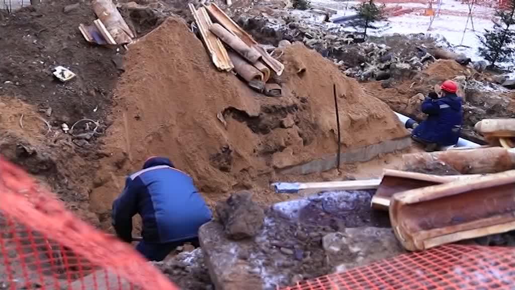 В Костроме приступили к ремонту коллектора во 2 Водяном переулке