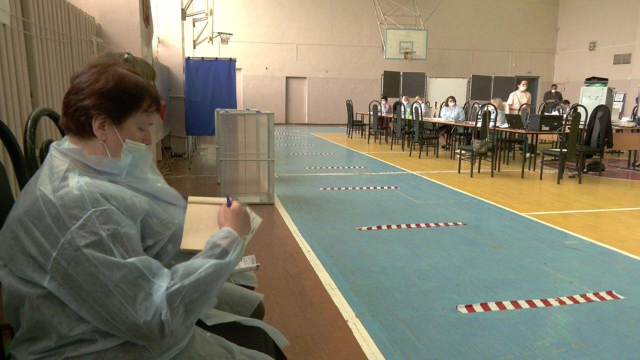 Более 1800 наблюдателей следят за голосованием