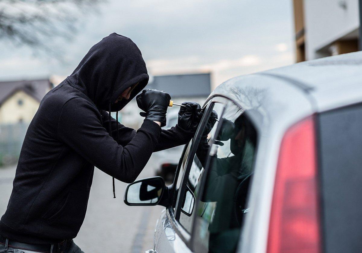 Полиция задержала угонщика машин
