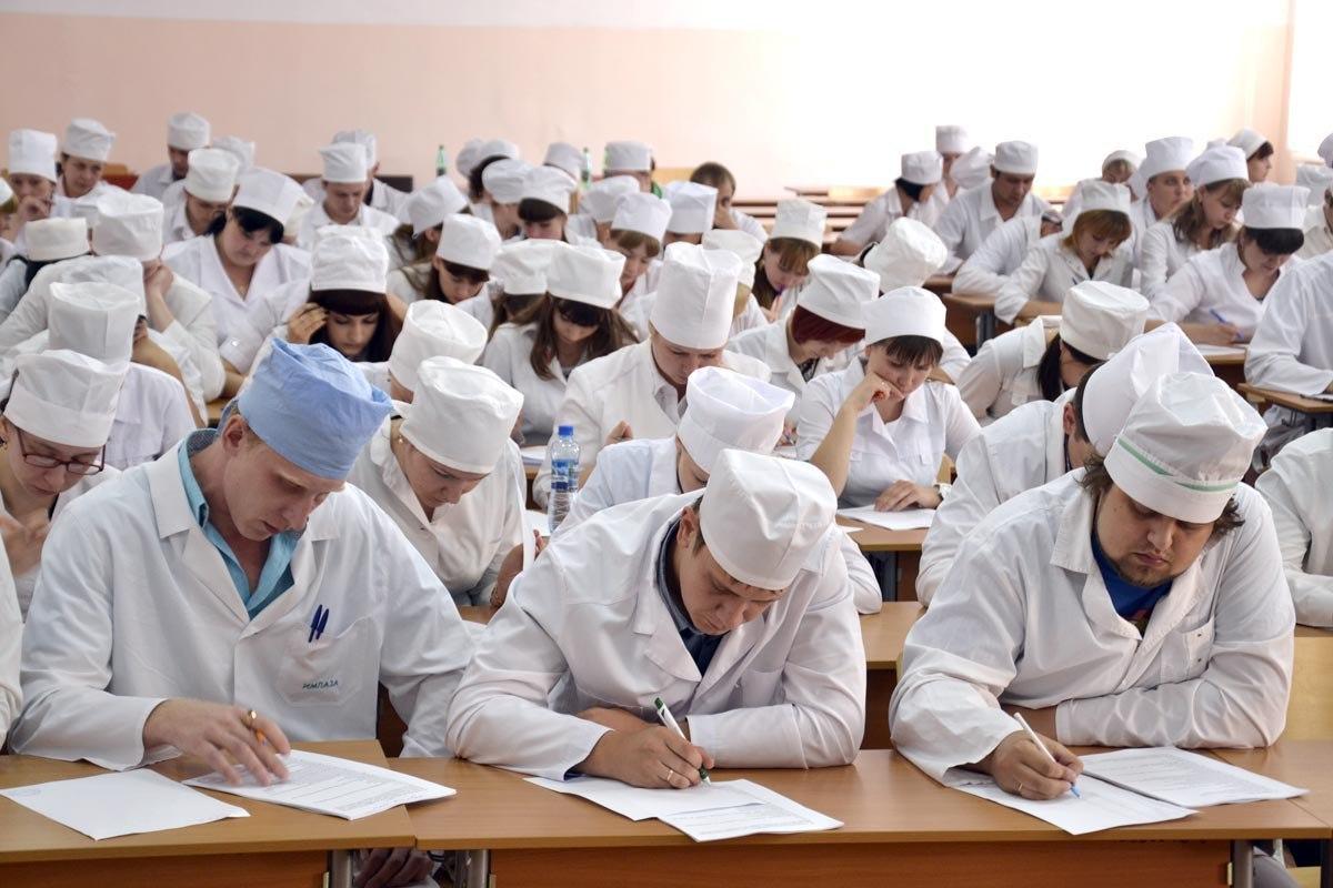 Студенты медвузов получат доплаты из областного бюджета
