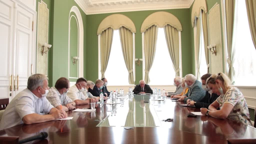 Кандидатуры омбудсмена по правам пенсионеров обсудили в администрации области