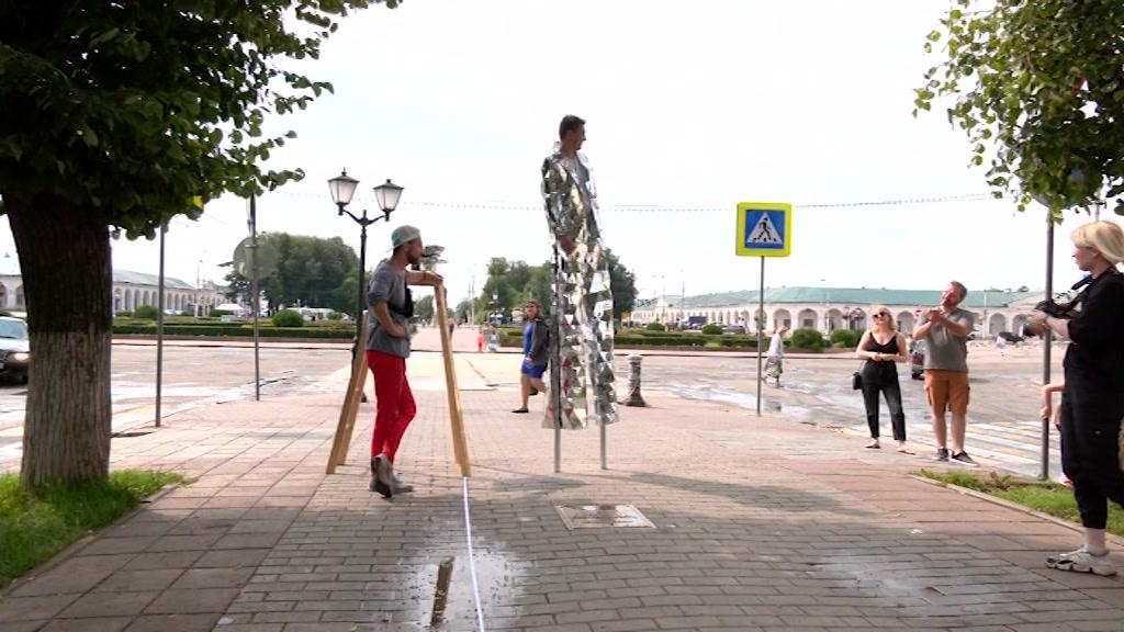 Костромские ходулисты намерены попасть в Книгу рекордов Гиннеса