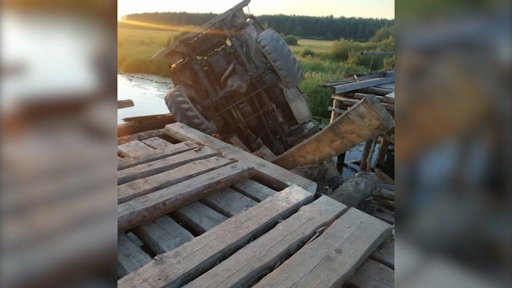 Рухнувший в Галичском районе мост восстановят за счет областного дорожного фонда