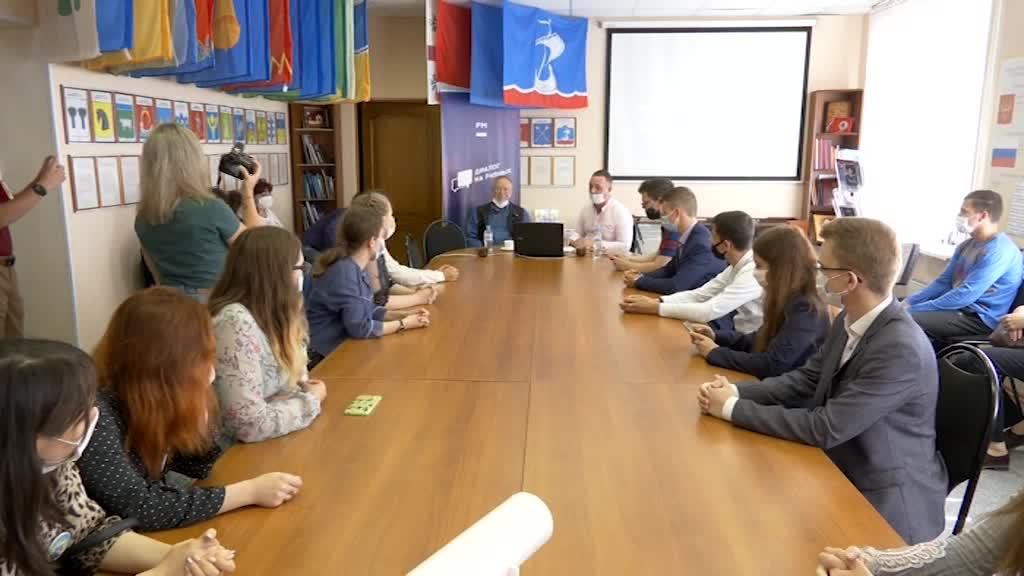 Юрий Вяземский встретился с костромскими «Умницами и умниками»