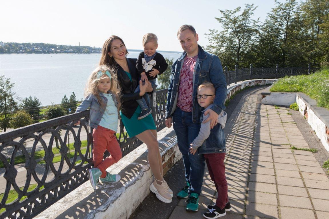 Многодетные семьи поддержат рублем.