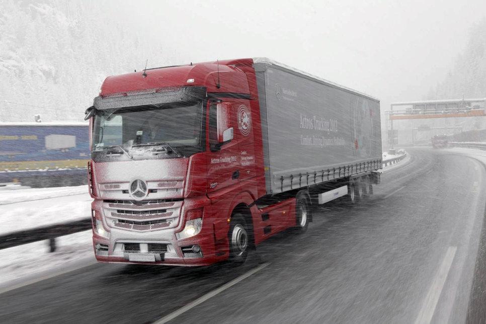 Перевозчики грузов и пассажиров работают без отдыха и на неисправных машинах.