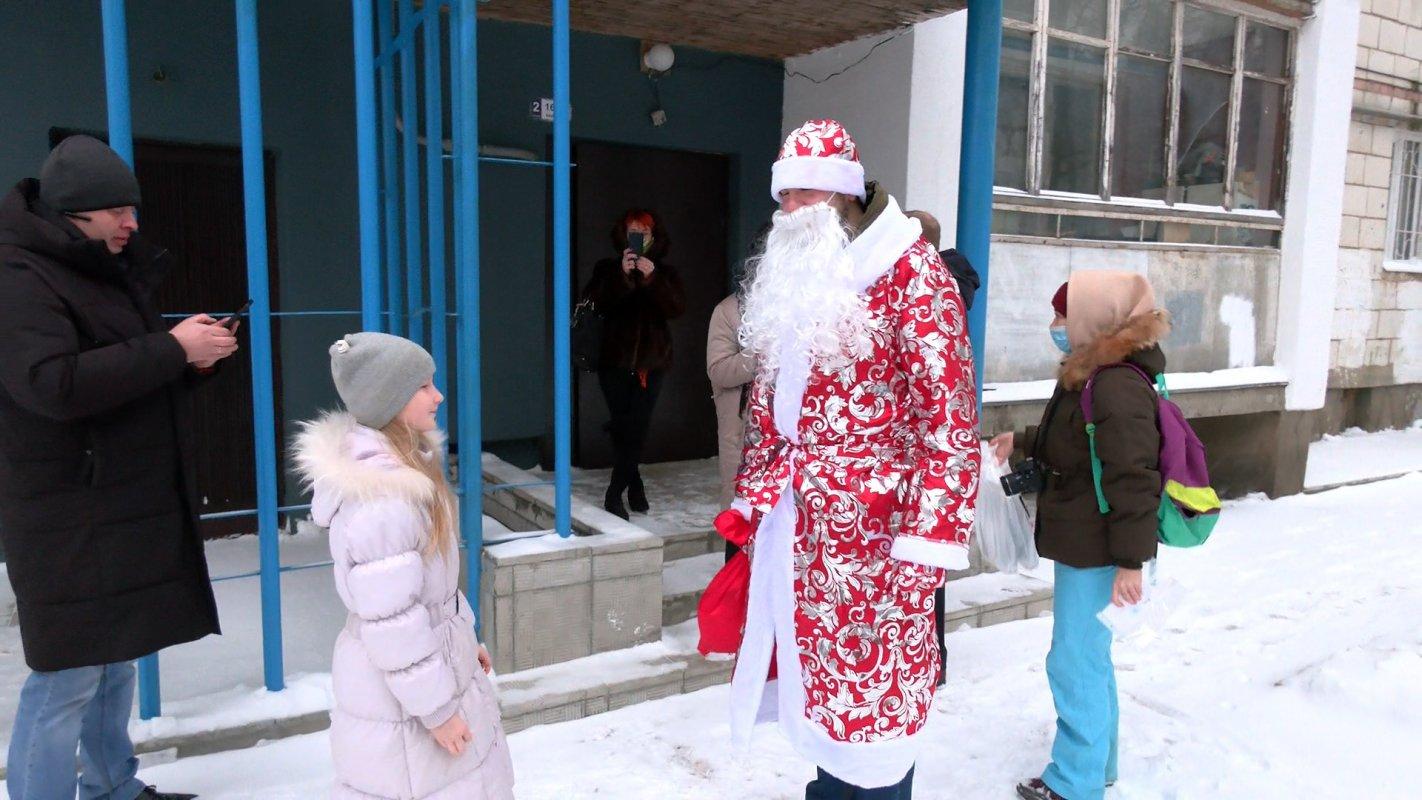 Дети  медработников «красной зоны» получили подарки