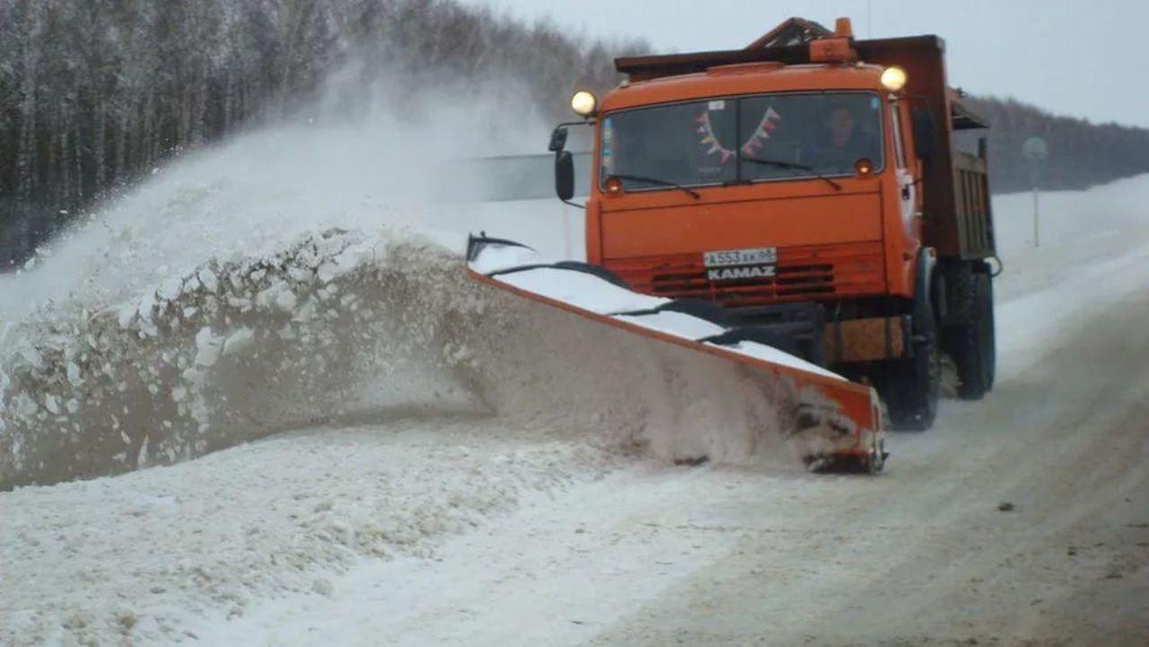На расчистку  дорог вывели все силы и средства дорожных предприятий