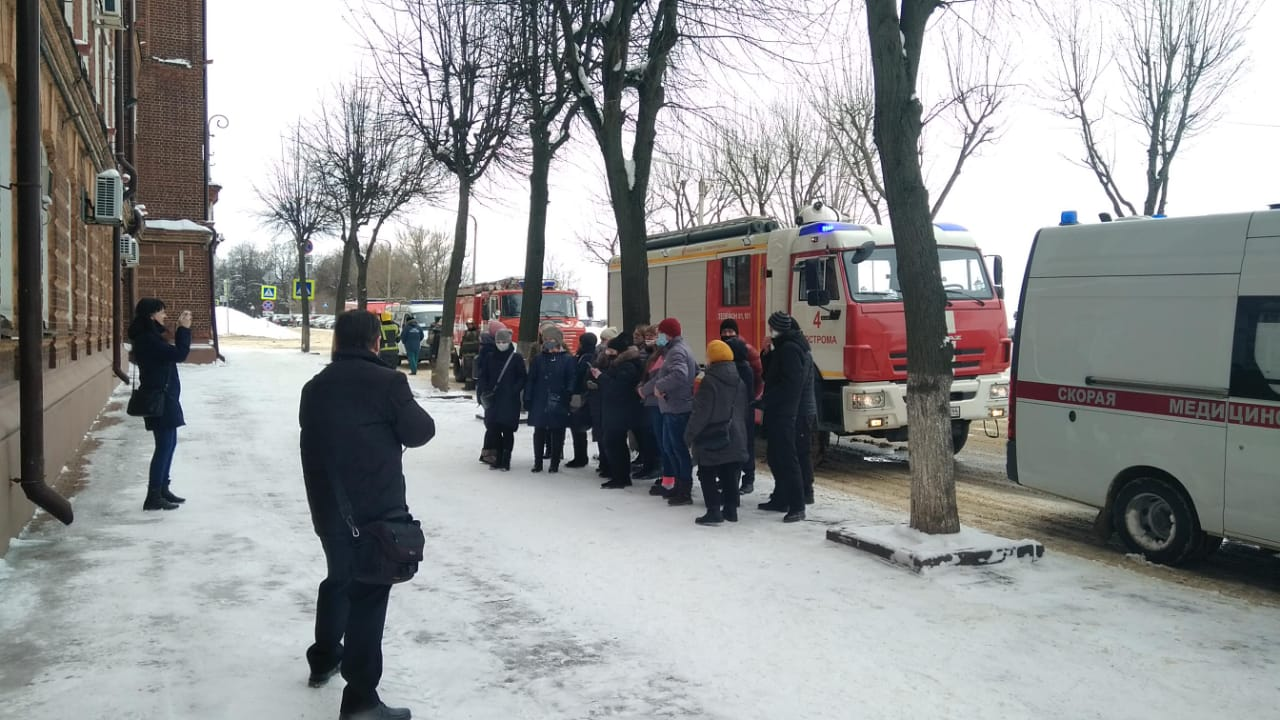 В Костромской области группа провокаторов  устроила селфи-шоу