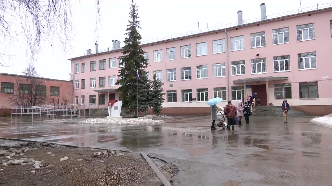 В  школе №7  Костромы оборудовали пандус для учеников-колясочников