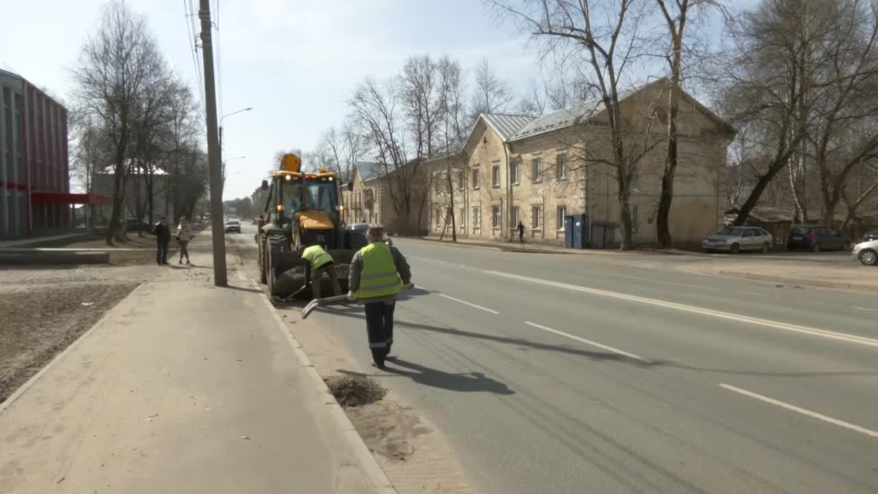 У костромских дорожников в разгаре уборка улиц