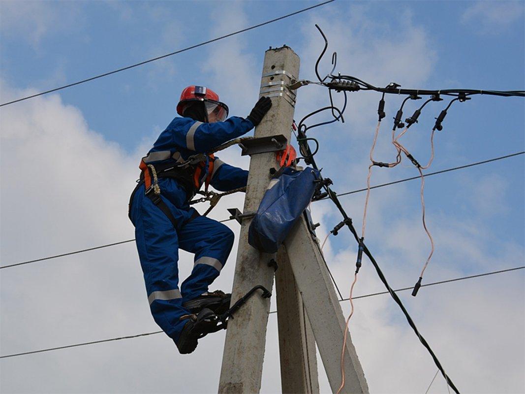 За  2,5  часа удалось восстановить электроснабжение восьми  населенных пунктов Костромской области