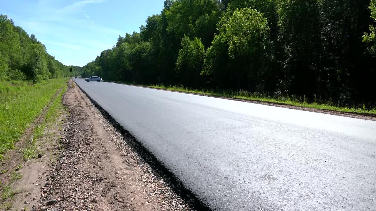 В Галичском районе в разгаре ремонт автодороги на подъезде к Просекскому поселению